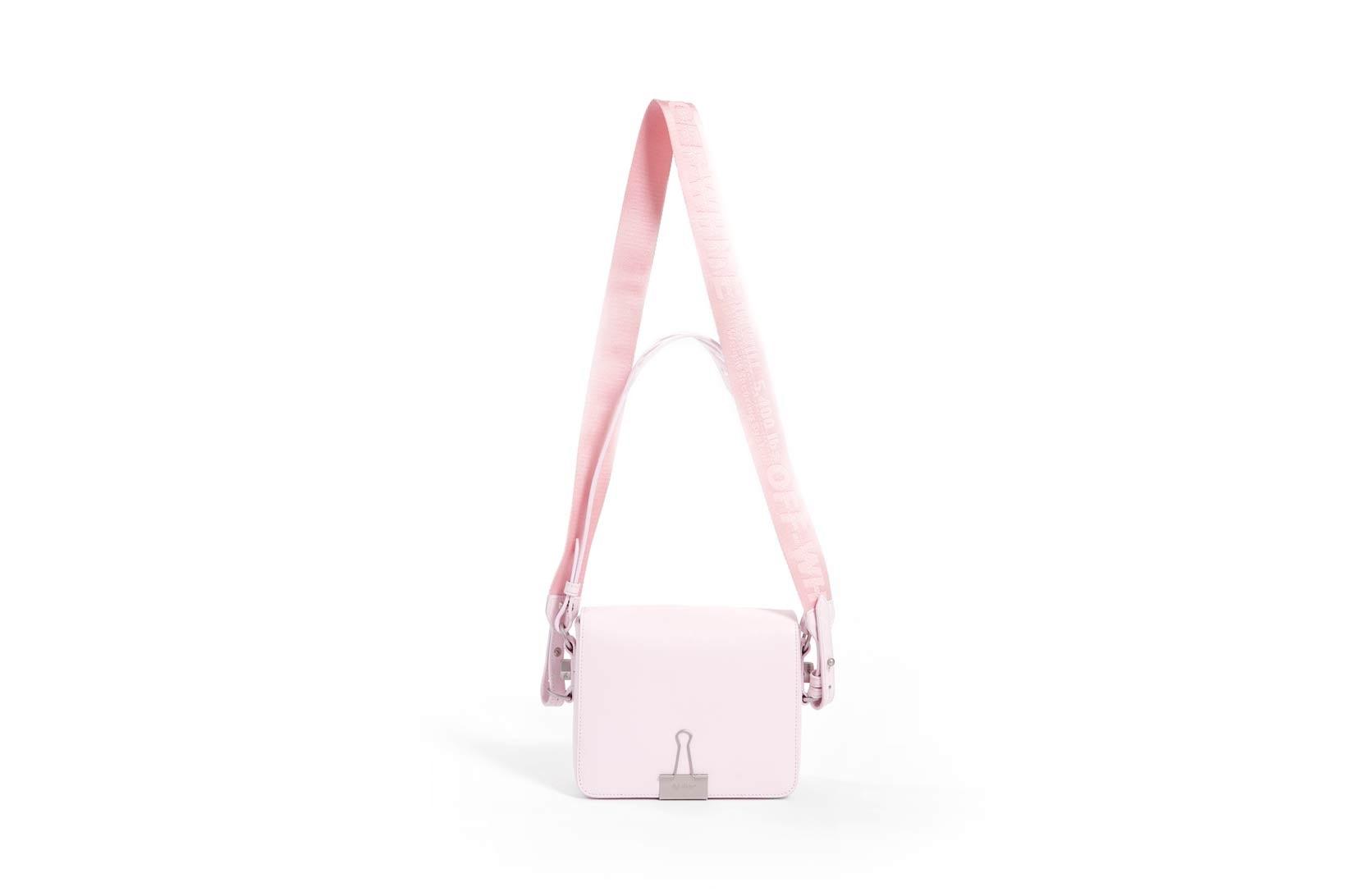 粉紅控怎能不心動 OFF-WHITE 招牌活頁夾手袋也推出了千禧粉版本
