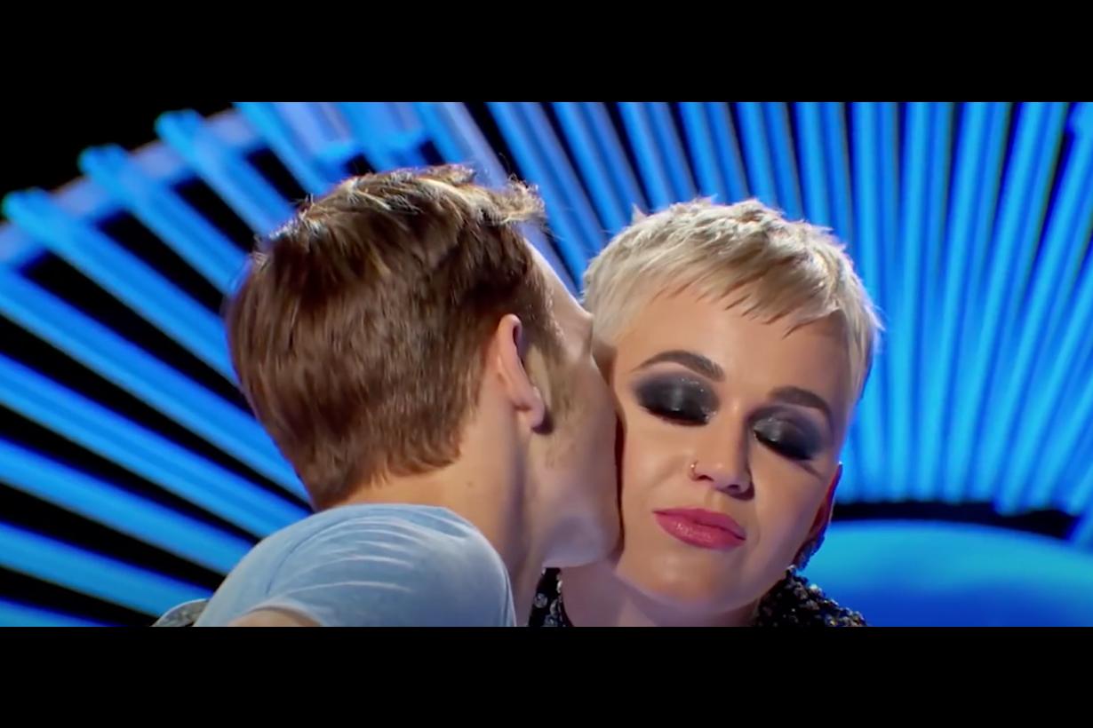KATY PERRY kiss Benjamin-3