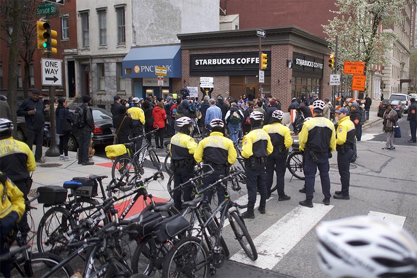 全美超過 8000 間 Starbucks 停業一天,為的就是進行員工培訓?