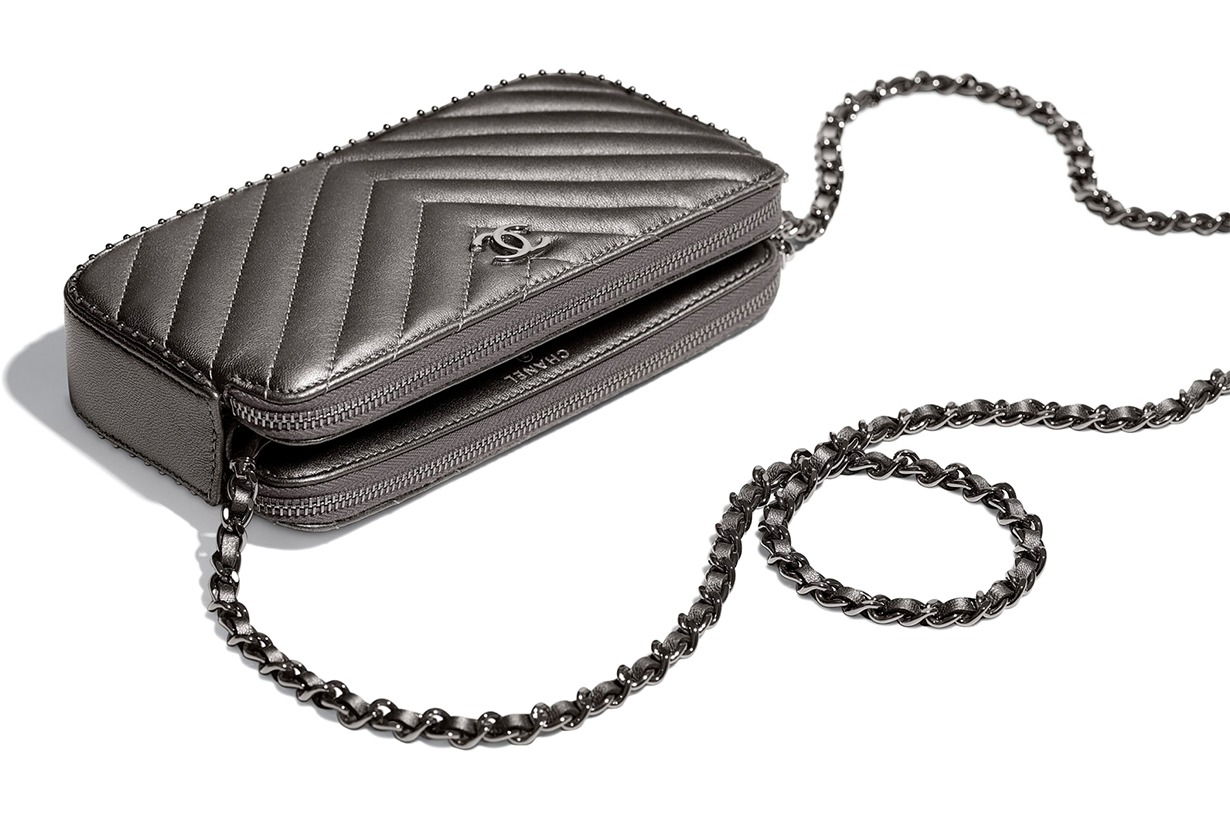 chanel-clutch-with-chain-ss-2018