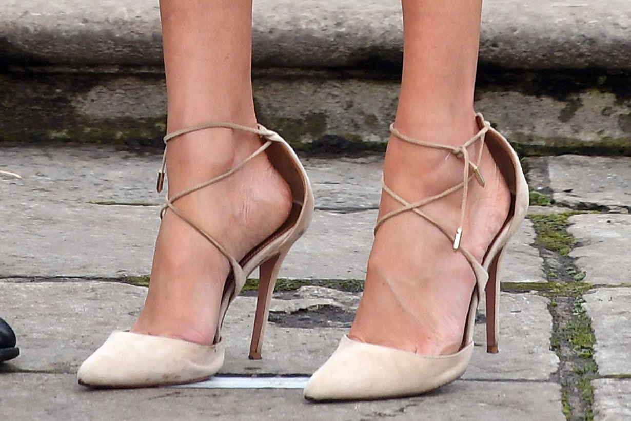 Meghan Markle Duchess of Sussex Royal Style wrong size high heels too big avoid blisters british royal family fashion hack