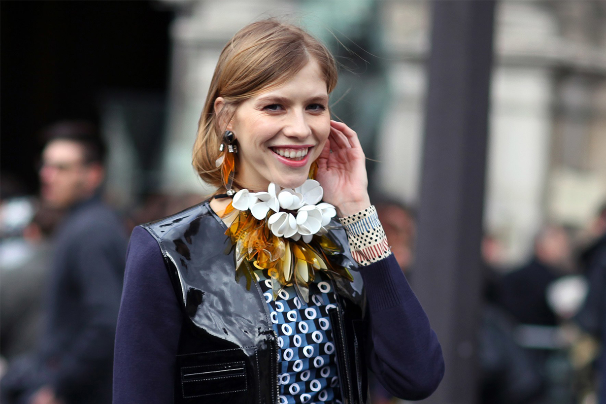 Plastic Necklace Street Style