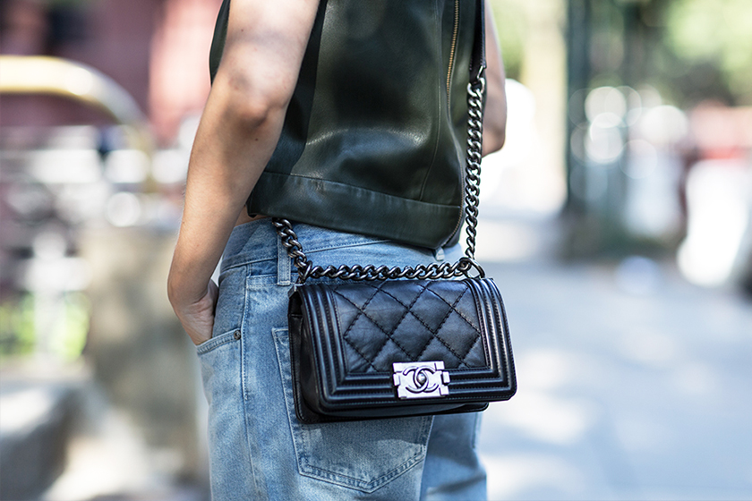 boy-chanel-handbags-fw-20180