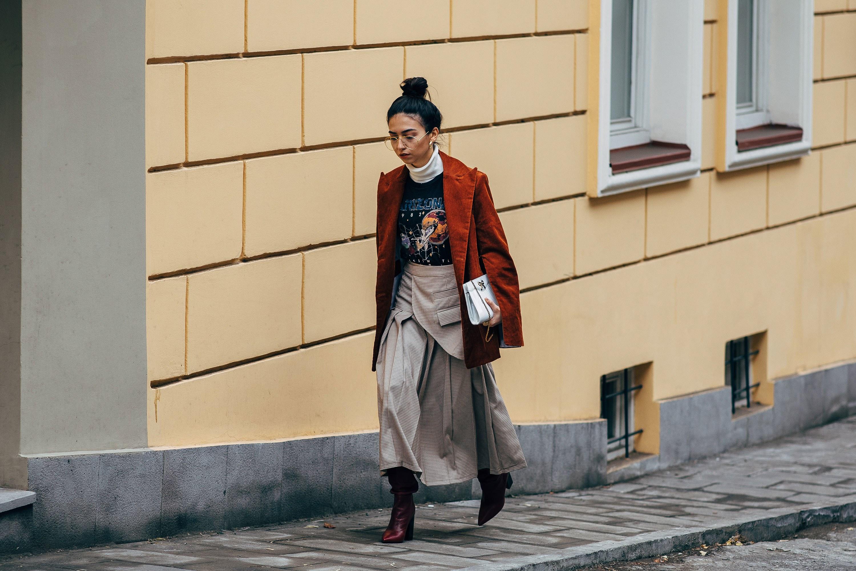 Blazer Midi dress Boots Street Style