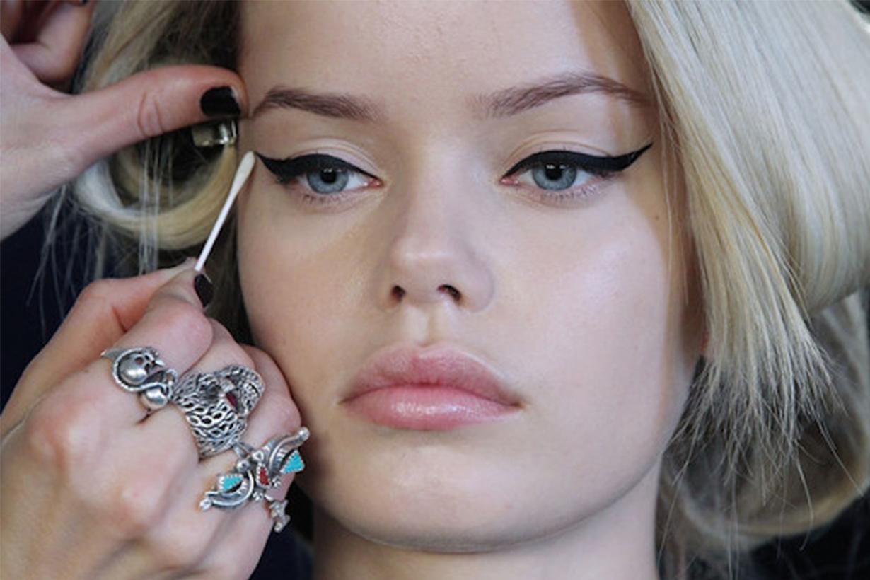 Q-tip Eyeliner Makeup