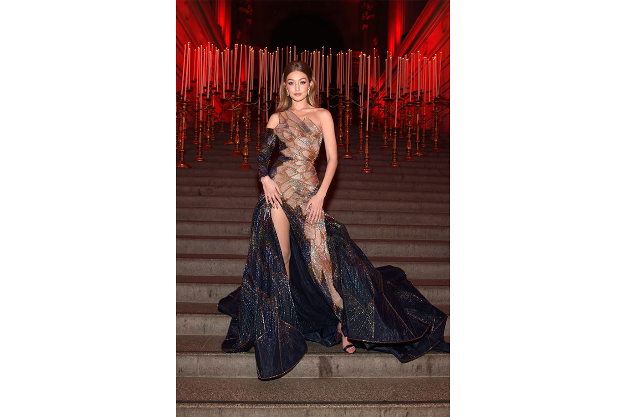 Gigi Hadid Model Pose