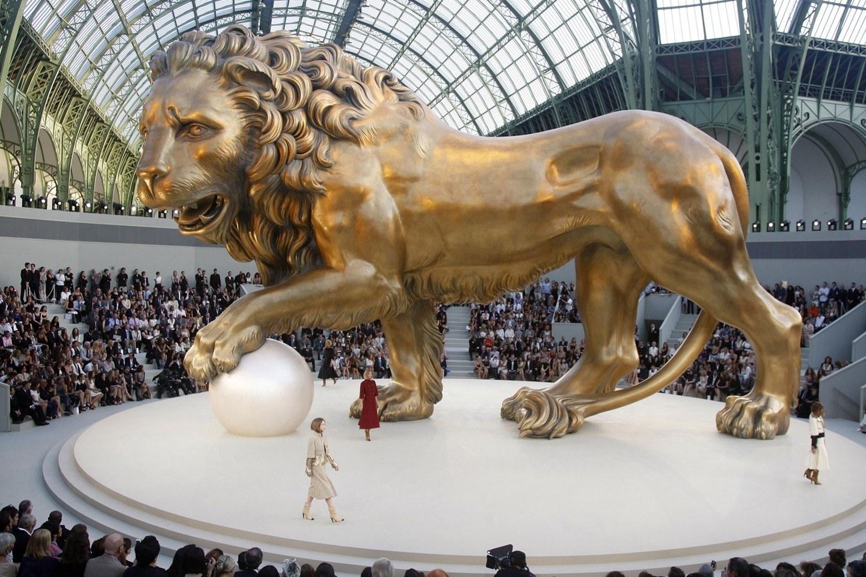 Karl Lagerfeld greatest Chanel fashion show sets