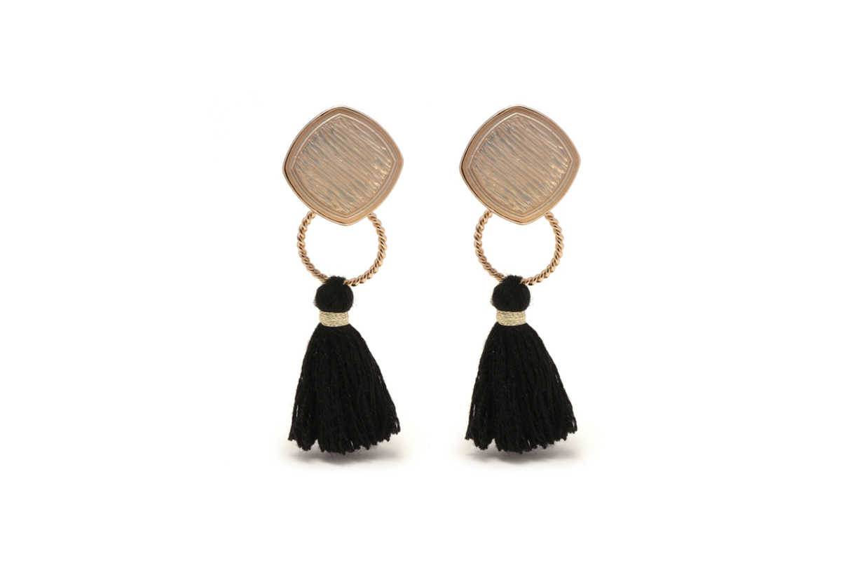 GREEN PARKS TOPIC Tassel Earrings