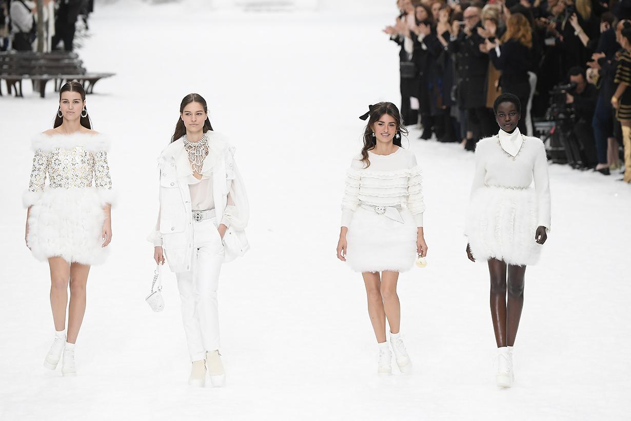 karl lagerfeld final chanel show Paris fashion week model tears