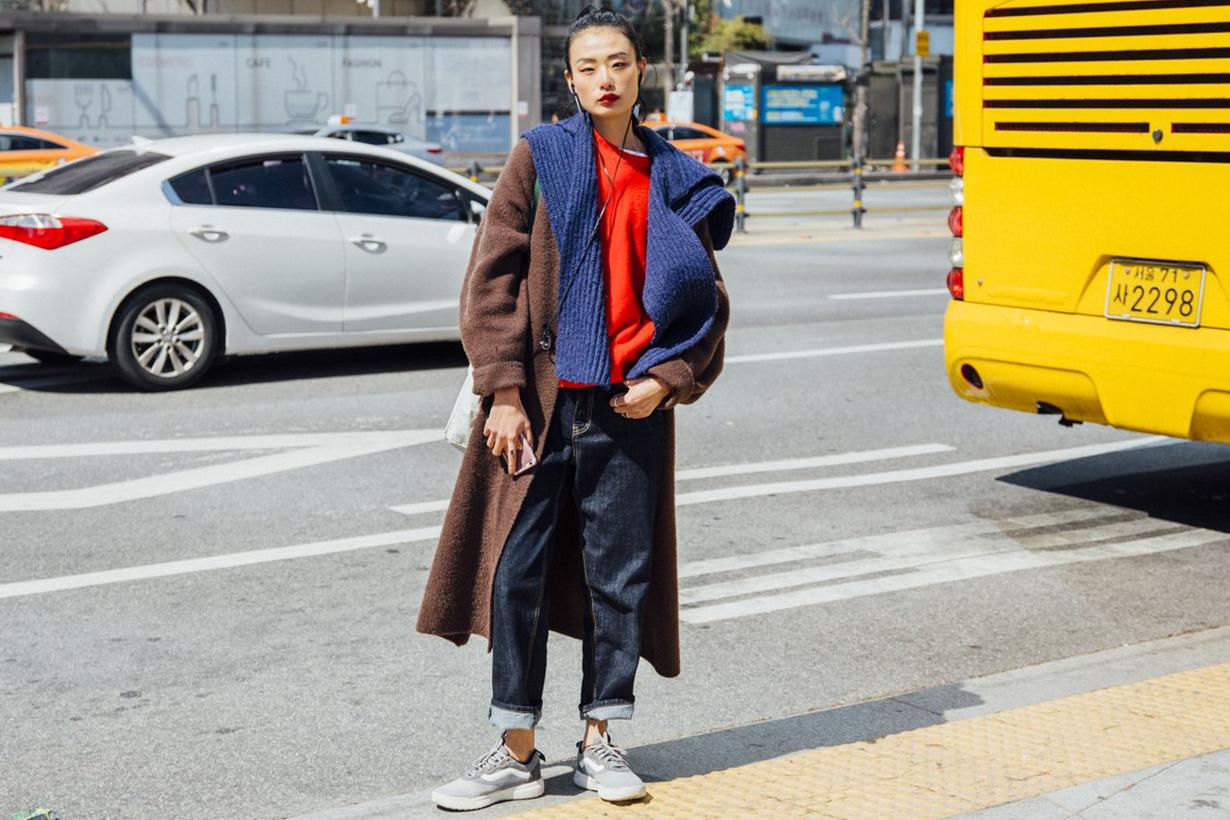 Korean Girl Layering Sneakers Street Style