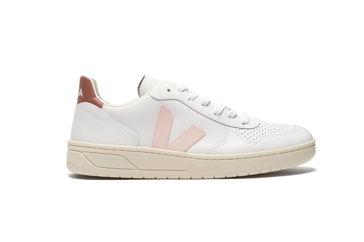 VEJA--V-10-low-top-leather-trainers