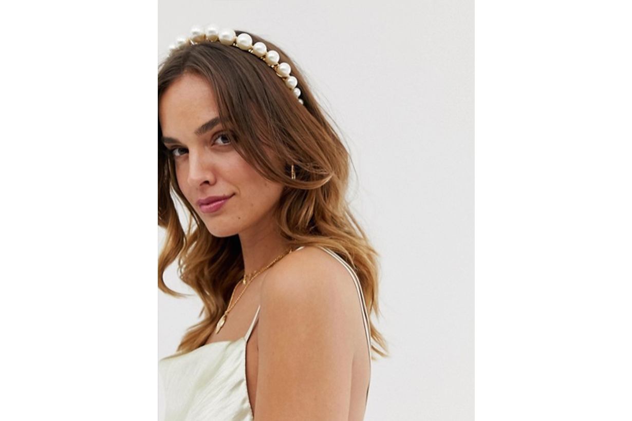 ASOS DESIGN Headband With Graduating Pearls in Gold Tone