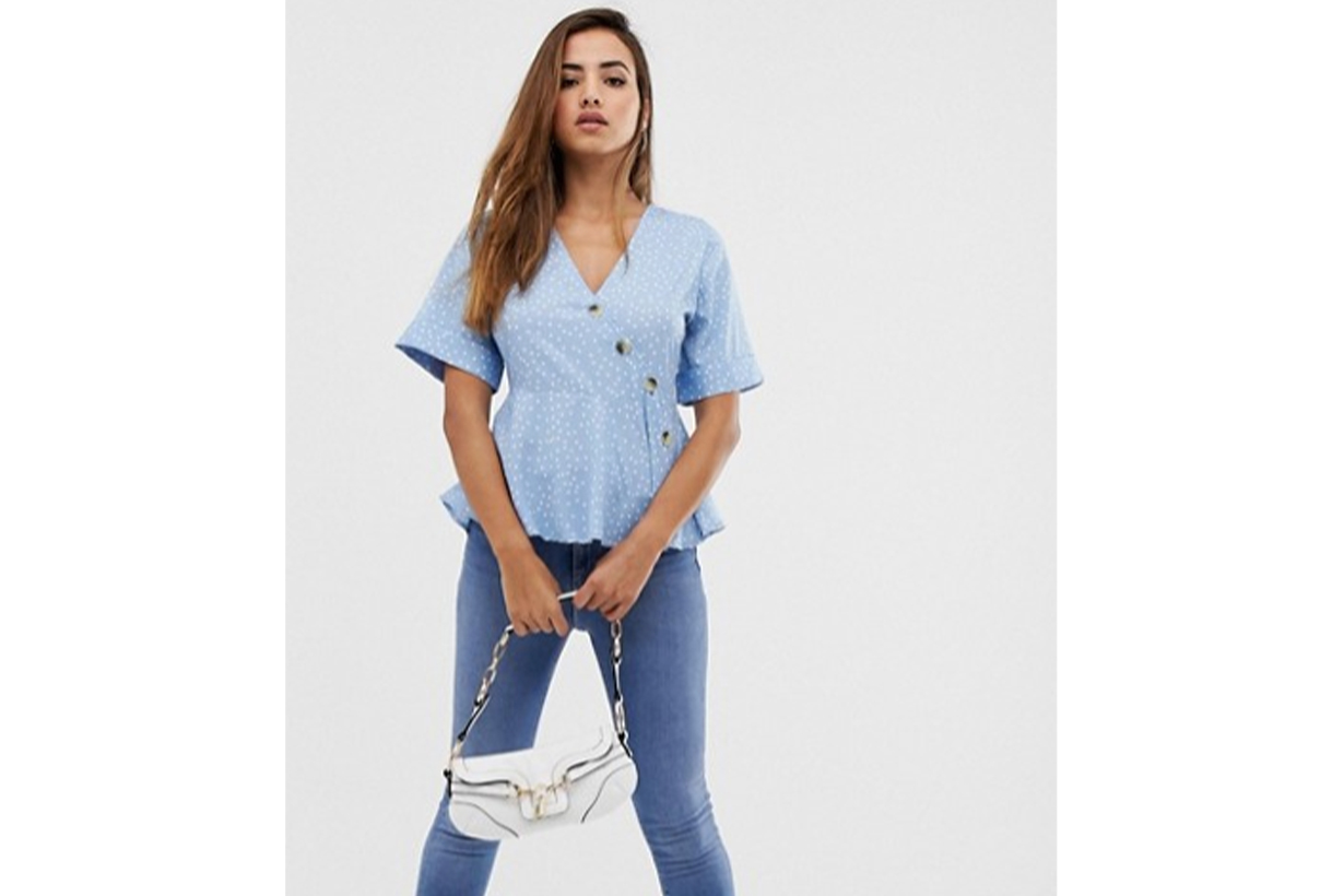 15 Nice Tops We Know Work Perfectly With Jeans