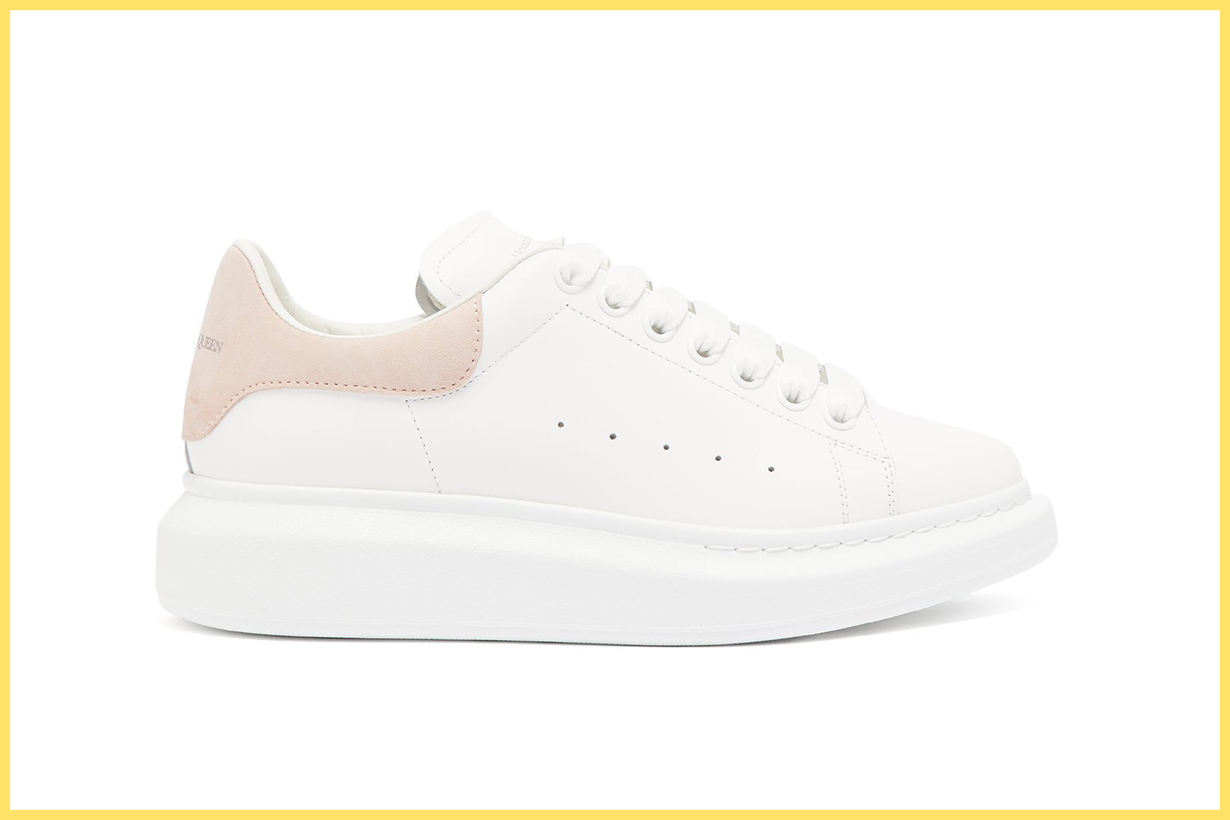 People Are Searching For These Perfect Sneakers Every 2 Minutes Online