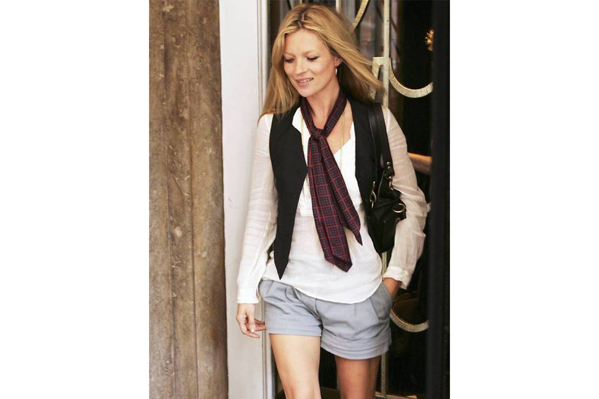 Kate Moss Waistcoat T-shirt Shorts Street Style