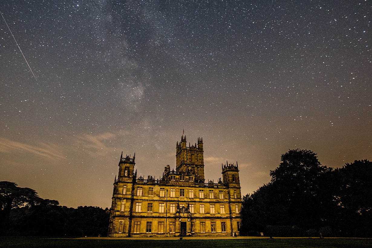 the downton abbey castle available to rent on airbnb highclere castle