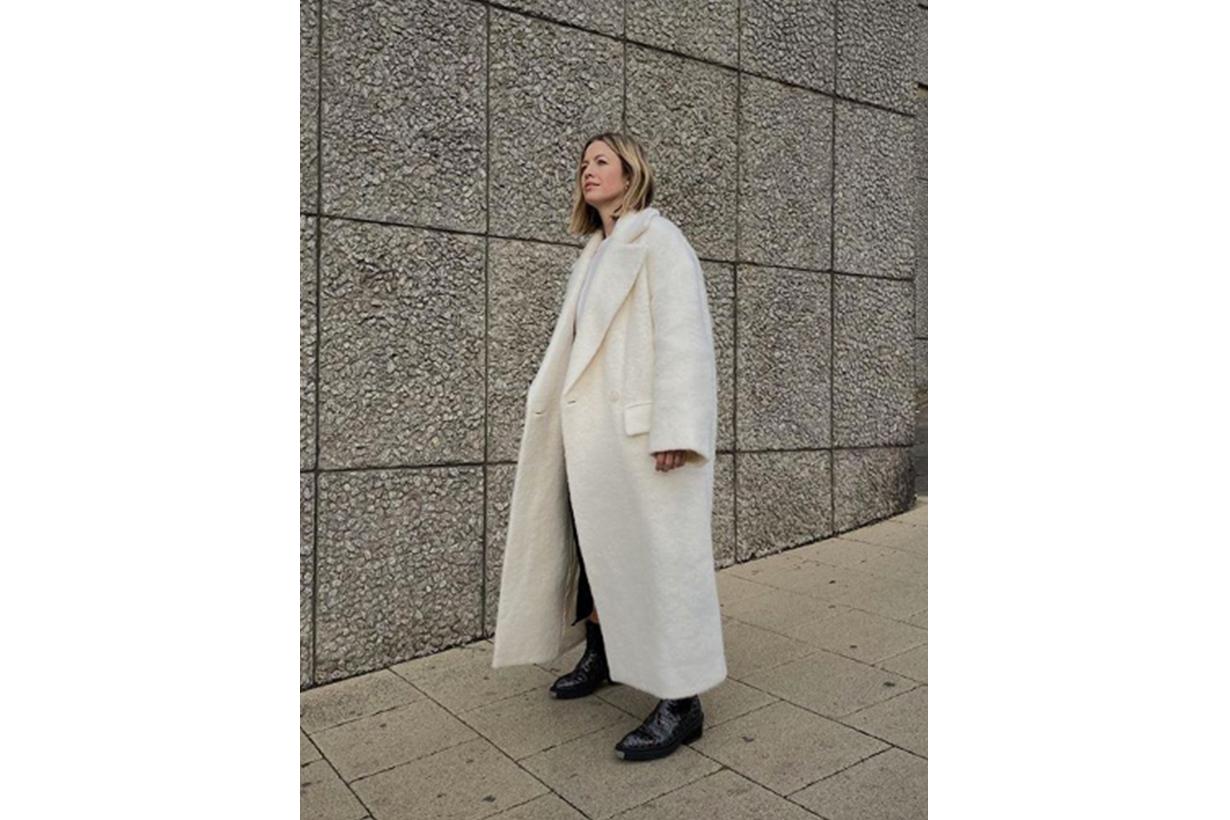 Oversized Grey Wool Coat Street Style