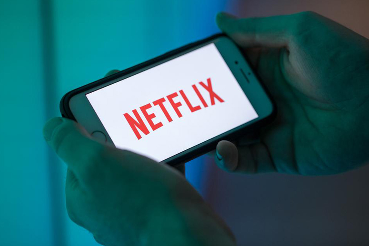 netflix password sharing loss billions dollars a year