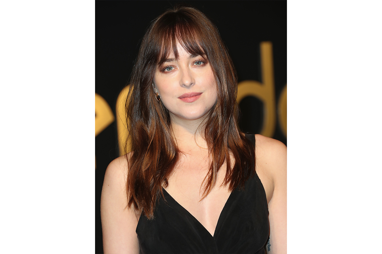 2020 hairstyle trends Textured Blunt Bob Super Long Hair  Shaggy bob hair Invisible Layers  Layered Pixie