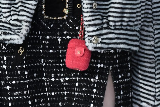 chanel paris airpods case pink 2020 fw reveal