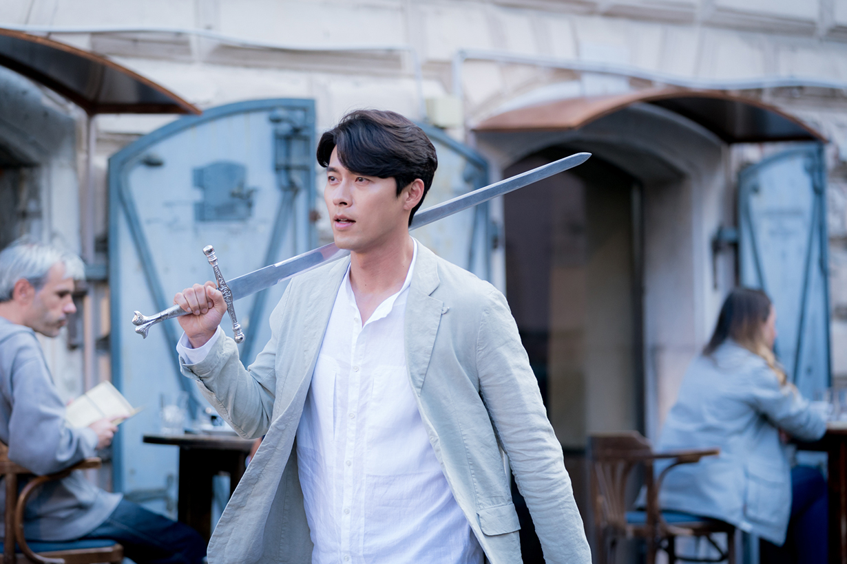 Hyun Bin Crash Landing On You Netflix tvN Drama Korean Drama My Lovely Sam Soon Worlds Within Secret Garden Hyde, Jekyll, Me Memories of the Alhambra Son Ye Jin Song Hye Kyo Park Shin Hye Korean idols celebrities actors actresses