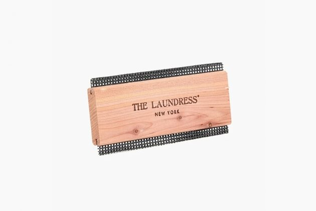 The Laundress knit cashmere de pill care sweater comb