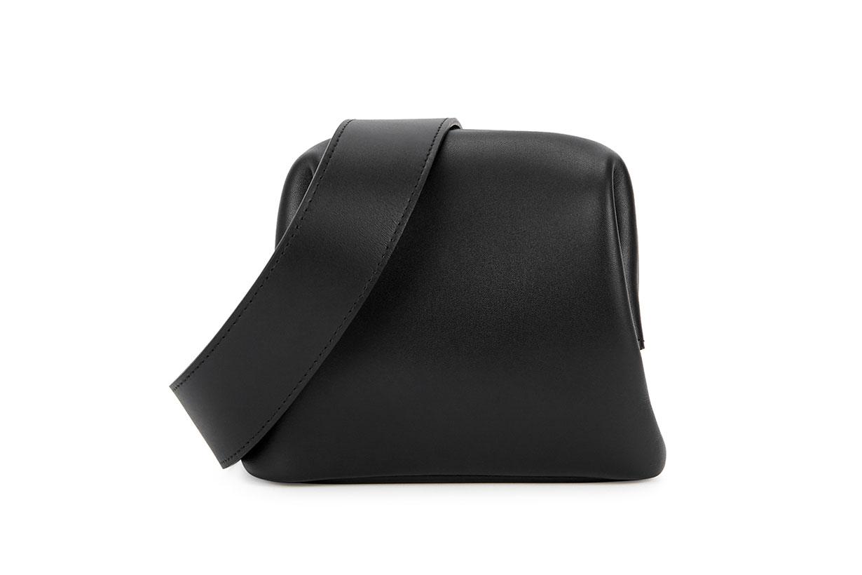 OSOI Peanut Brot black leather belt bag