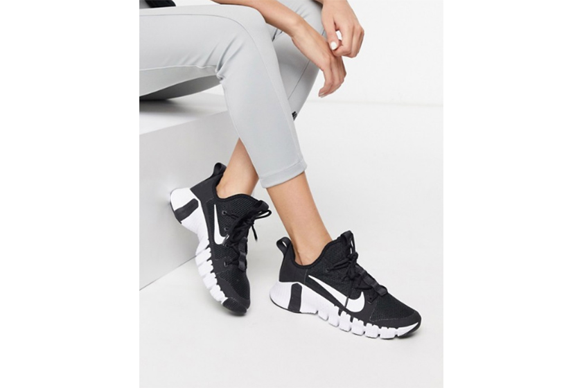 anna wintour sneakers nike