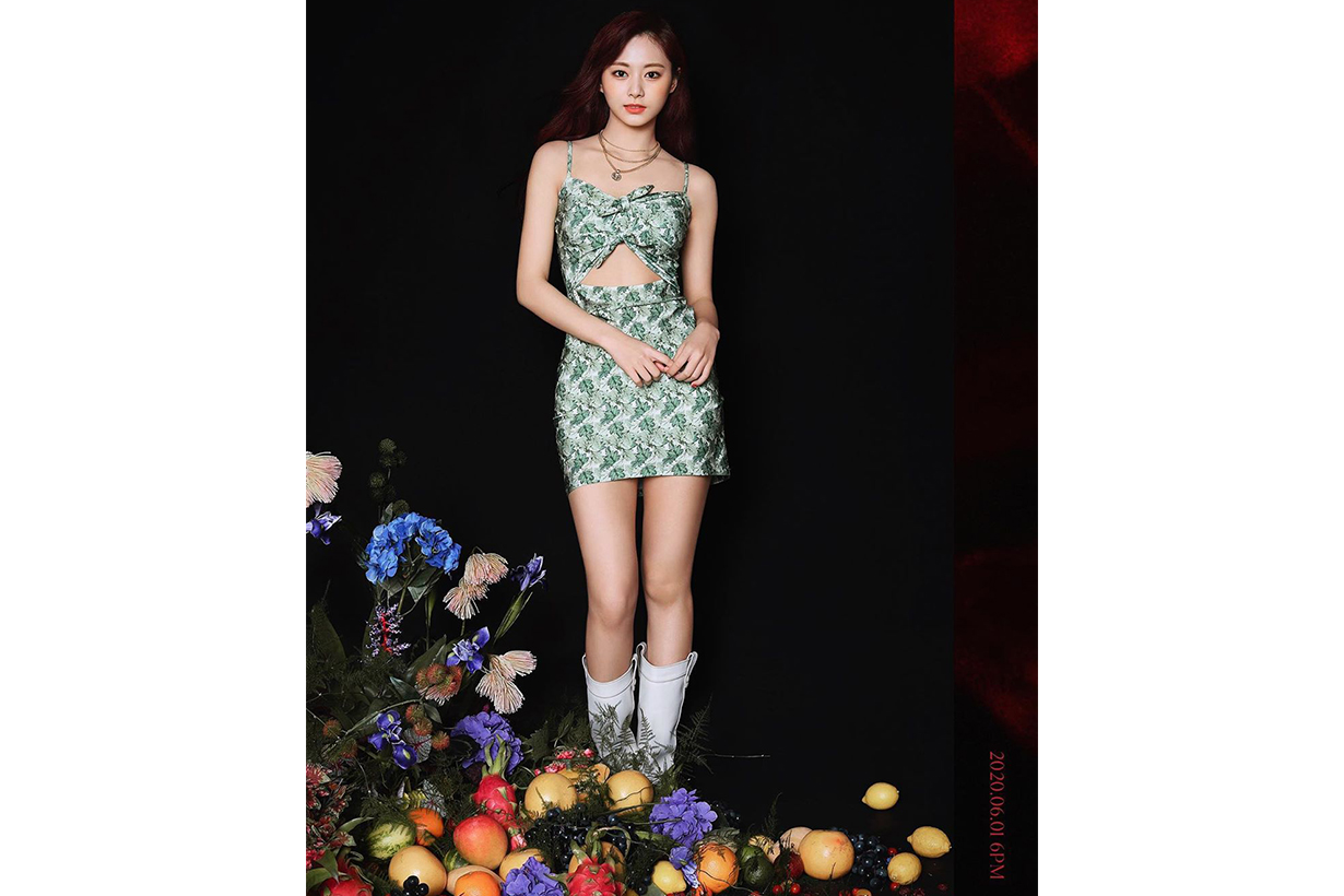 TWICE Chou Tzu Yu Tzuyu More & More JYP Entertainment ADRIANA DEGREAS Dahlia print knee-length dress Celebrities sexy style korean idols celebrities singers girl bands