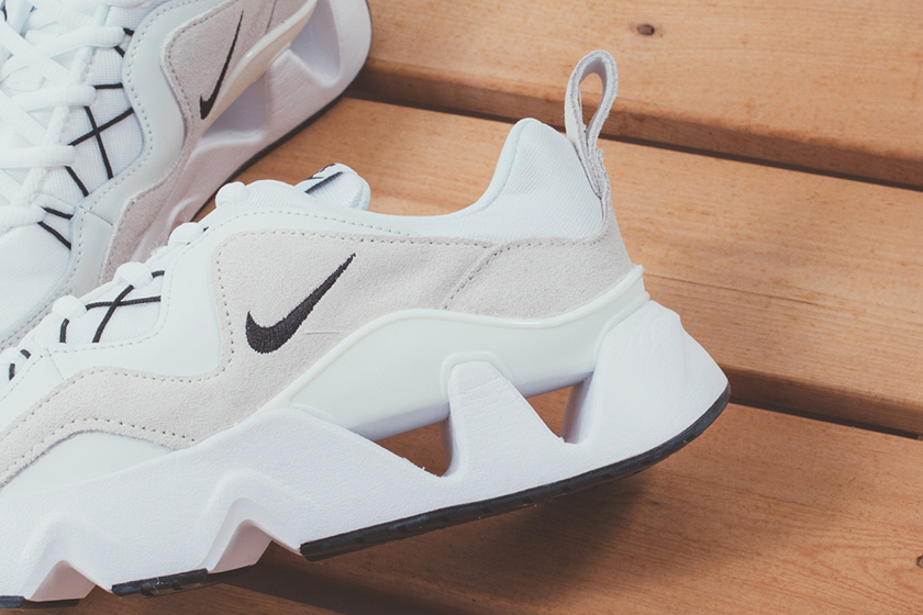 Nike RYZ 365 New White Color Sneaker