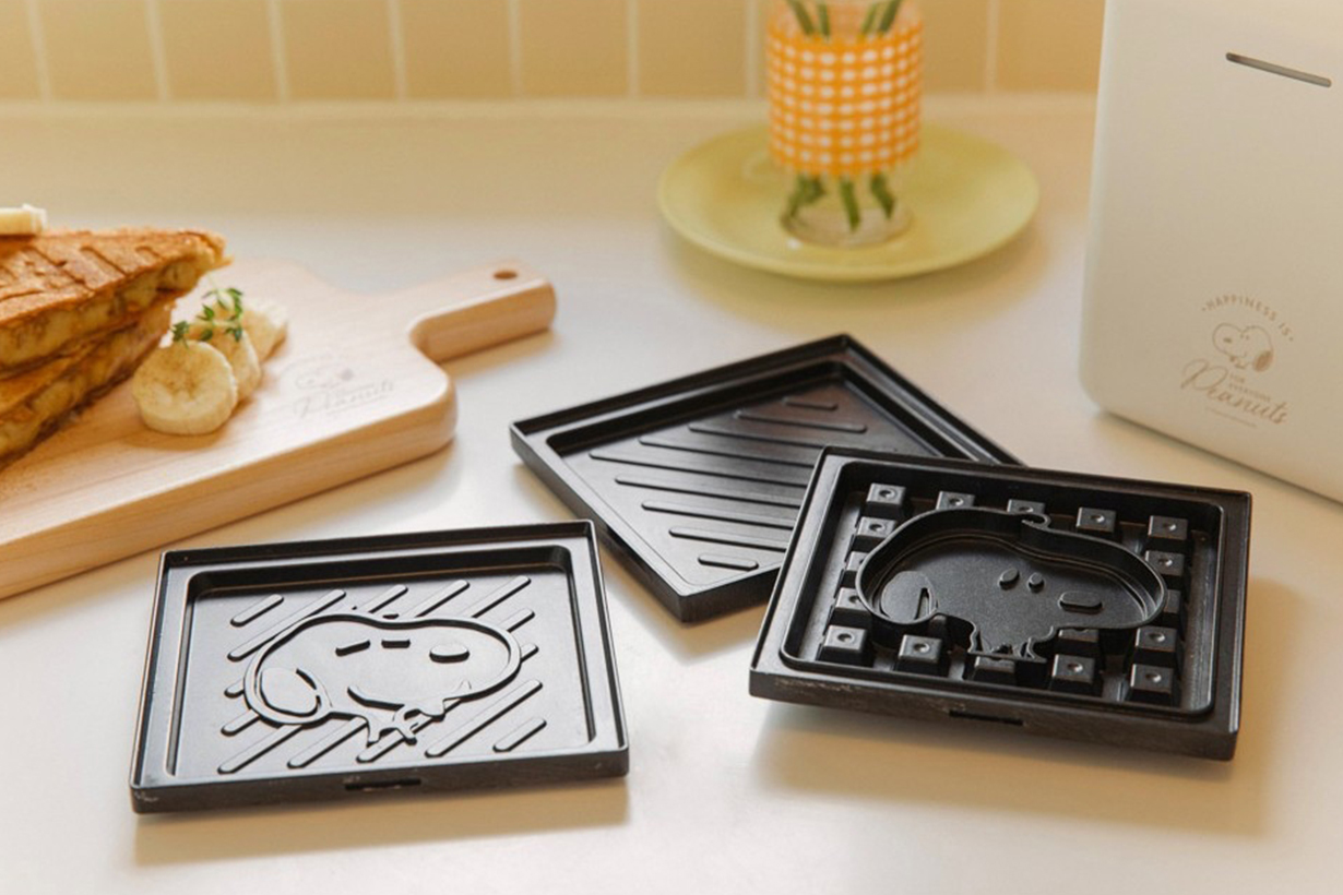 snoopy toaster waffle maker lifestyle kitchen appliance