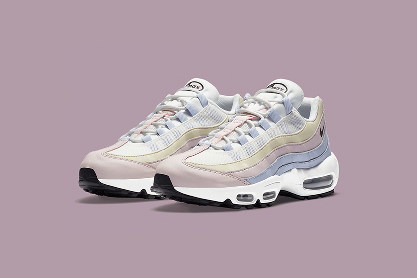 Nike Air Max 95 Ghost Color Pink Sneakers