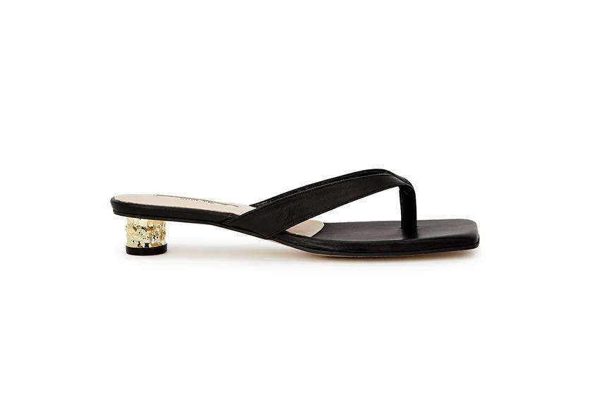 Korean Girl Effortless Chic Summer sandals Outfit
