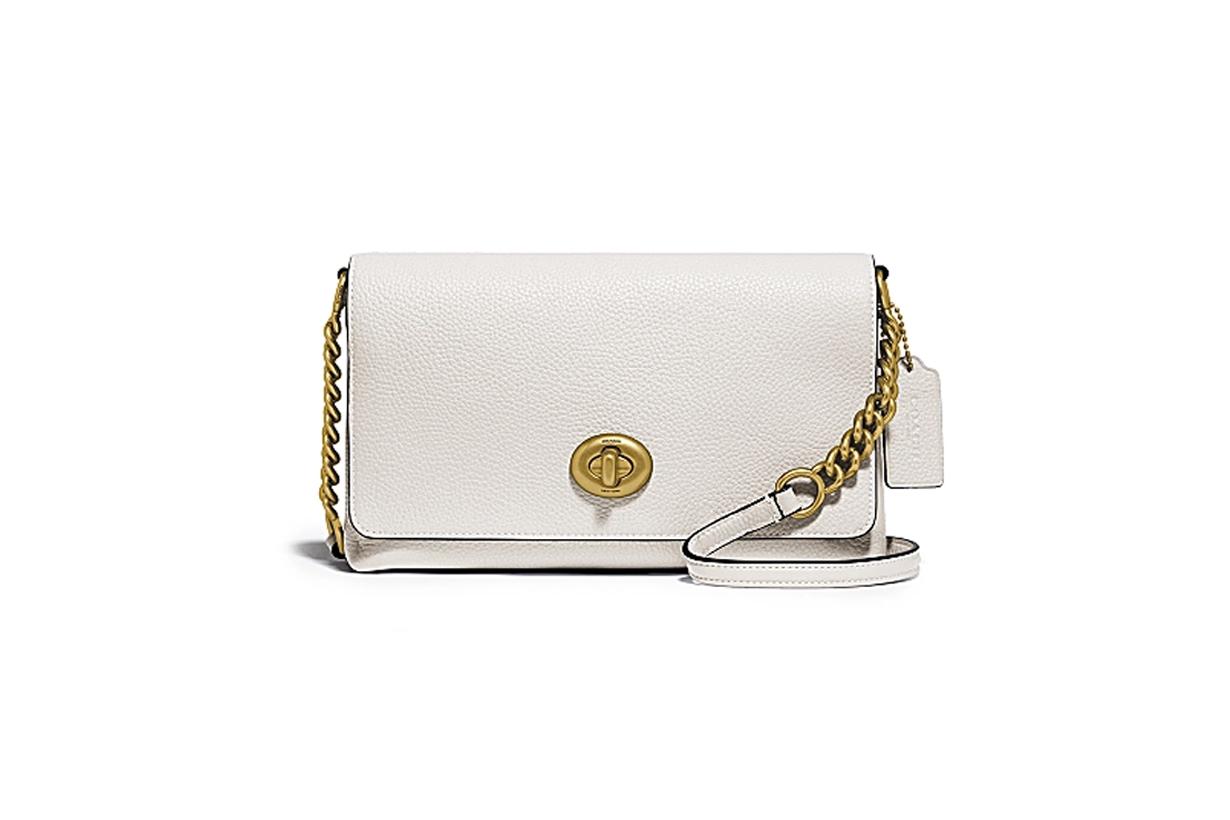 入門級名牌手袋推介!相對於價錢高企的袋款,小資女生更愛入手中價品牌 Coach