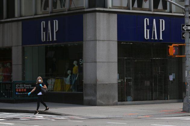 gap banana republic close 225 stores this year covid-19 reason