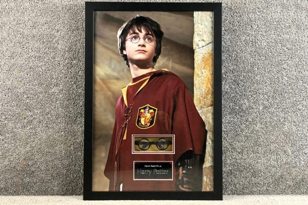 harry potter auction glasses Daniel Radcliffe signed