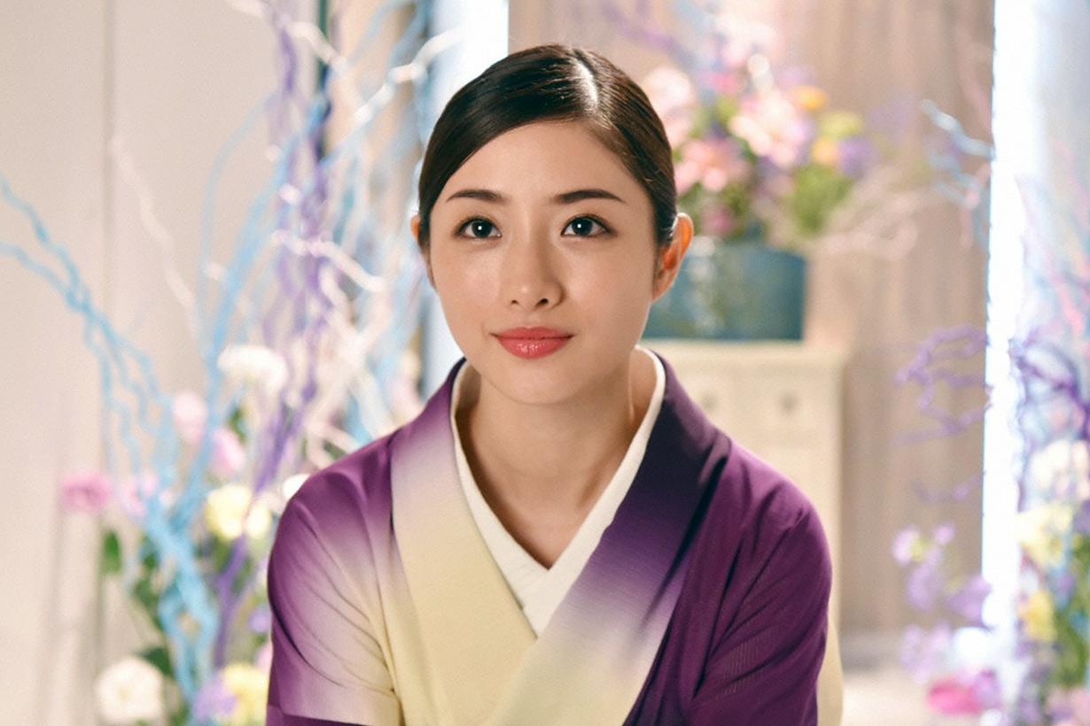 Ishihara Satomi Eye makeup Celebrities Makeup tips Covid-19 coronavirus mask wearing tips makeup cosmetics makeup tutorial  japanese idols celebrities actresses