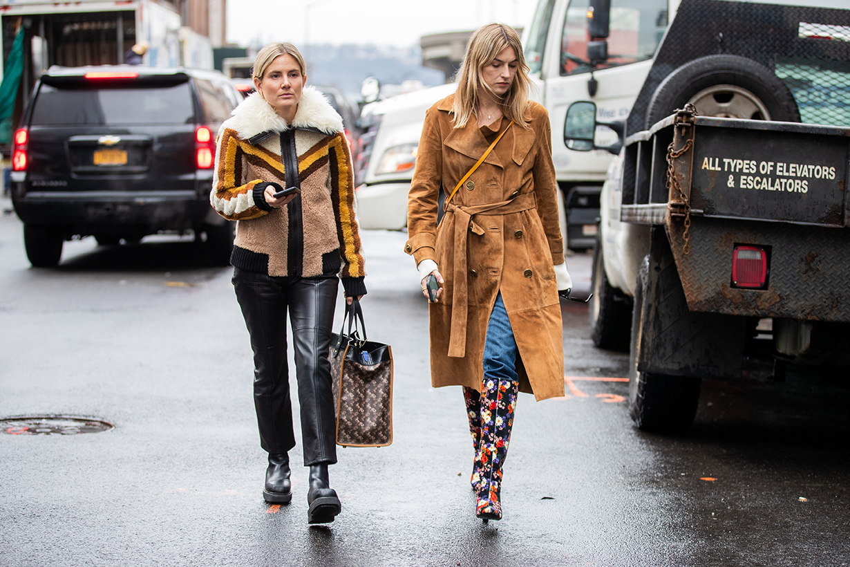 coach owner tapestry beats quarterly sales estimates