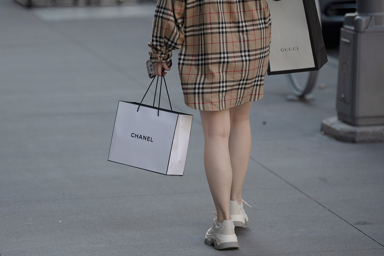 luxury brand selling fashion to the 1 during a pandemic covid-19
