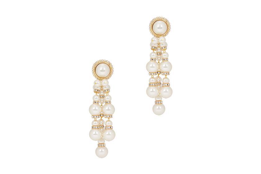 pearl-earrings-necklace-rings-jewelry-trend