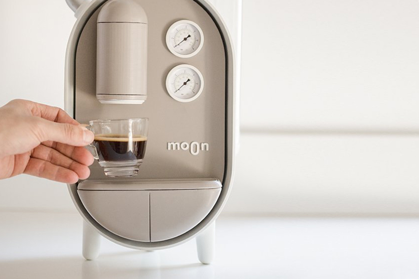 Roee Ben Yehuda MOON Coffee Maker