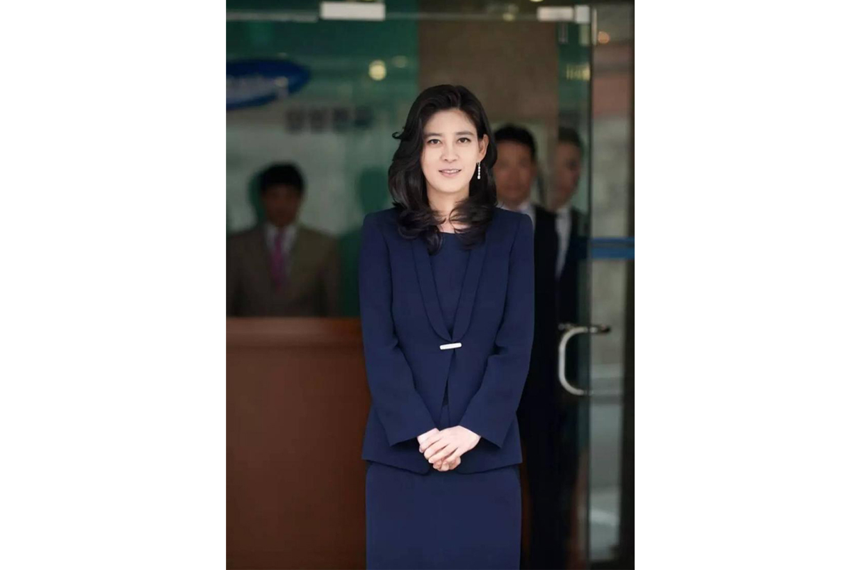 Samsung Group Lee Boo Jin billionaire businesswoman President of Hotel Shilla Daughter of Lee Kun Hee Celebrities Marriage Im Woo Jae Mr. Cinderella Divorce Love Story