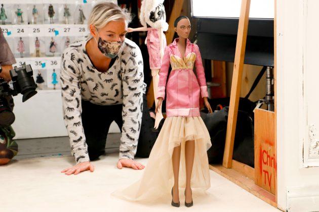 moschino ss 2021 jeremy scott puppet fashion show