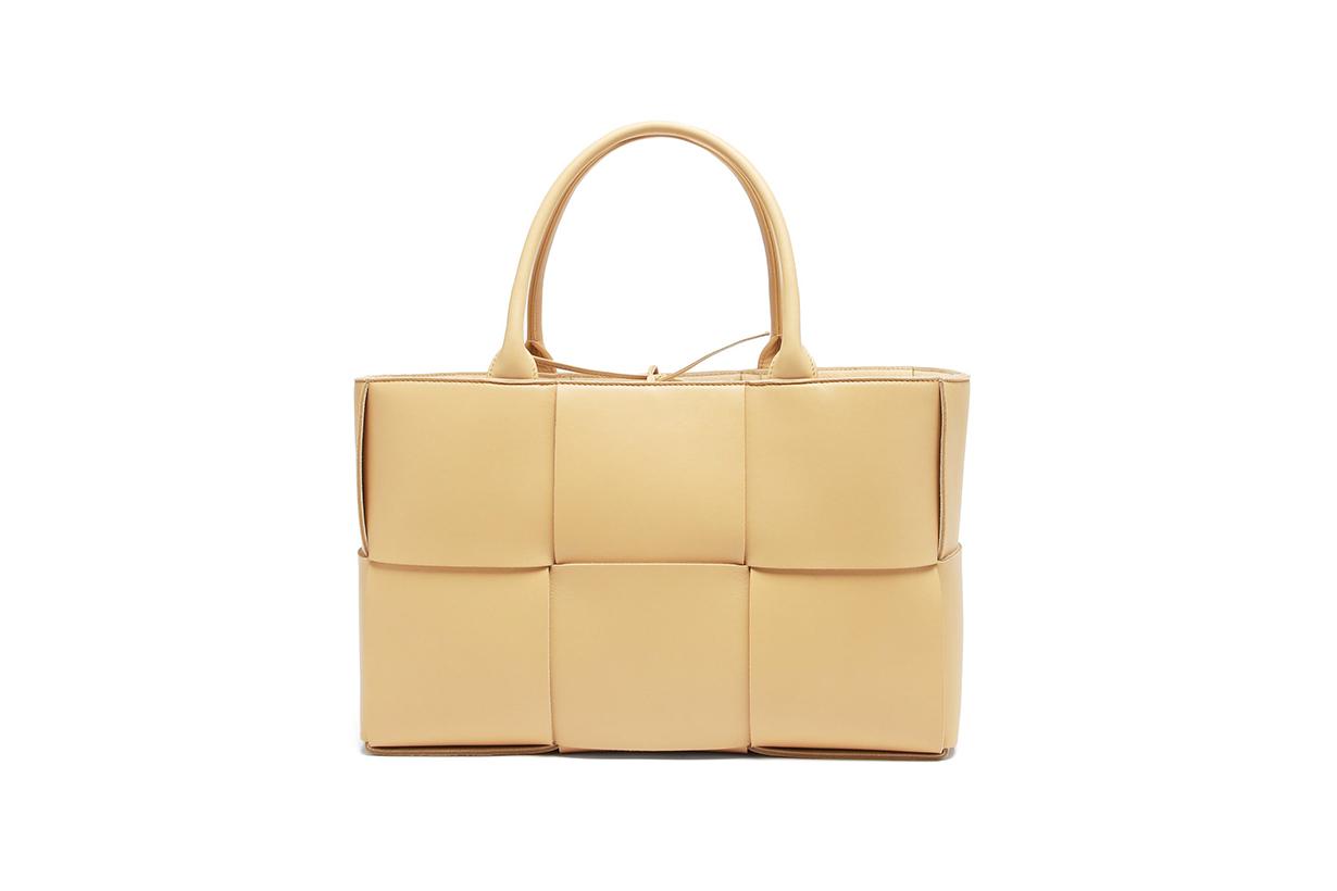 BOTTEGA VENETA The Arco Intrecciato-leather tote bag