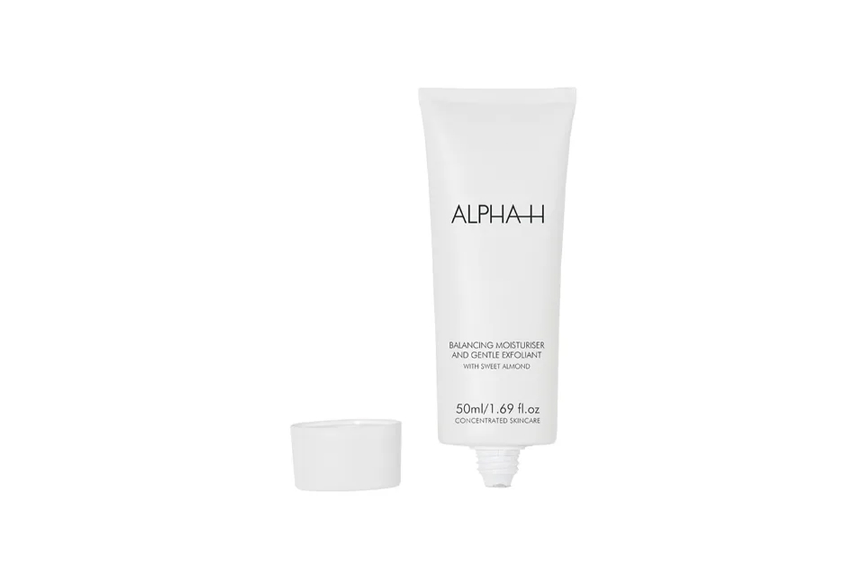 Acne Scar Adult Acne Hormonal Acne Pimples Skincare tips exfoliating Retinoids Boost Collagen sunscreen