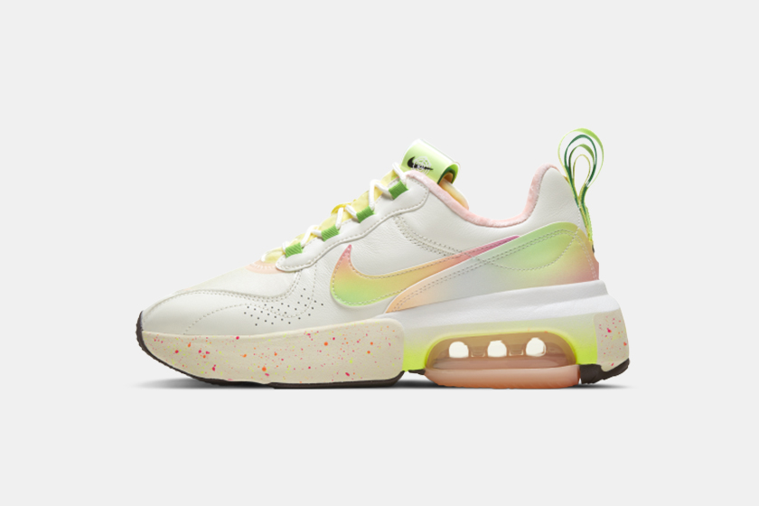 Nike Air Max Day Pink Sneakers