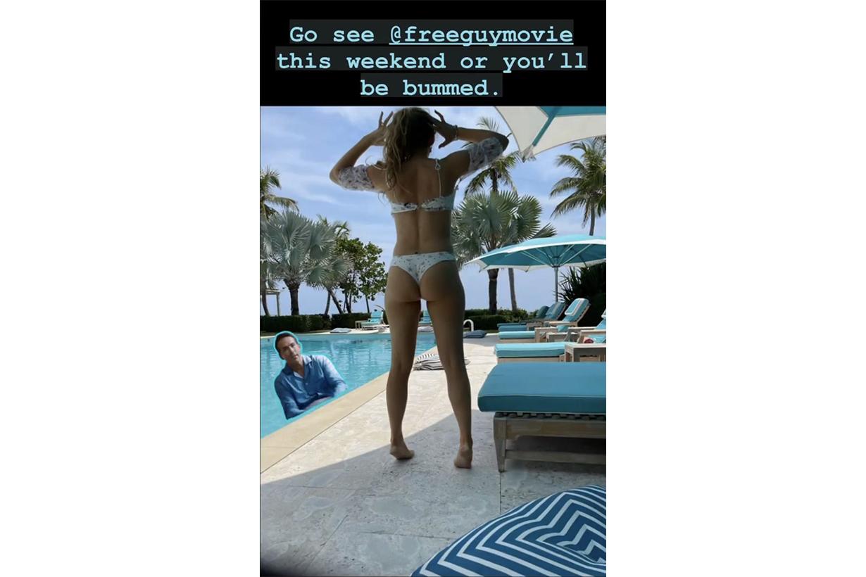 Blake Lively Ryan Reynolds Free Guy Bikini Photo instagram story celebrities couples hollywood actors actresses