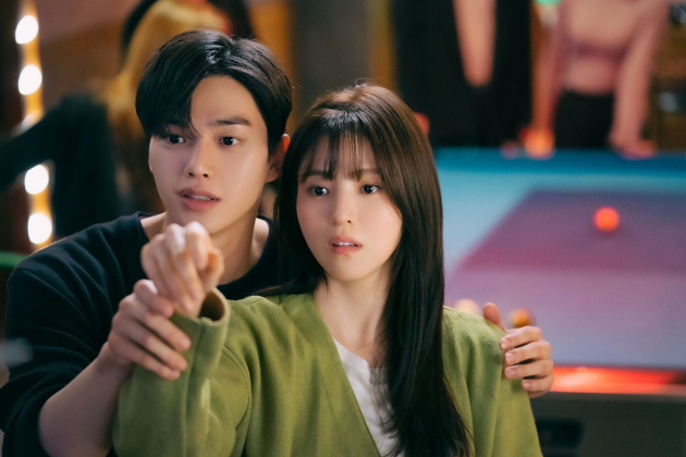 Netflix-k-drama-Nevertheless-main-leads-Song-Kang-and-Han-So-Hee-sweet-chemistry-overflow-01
