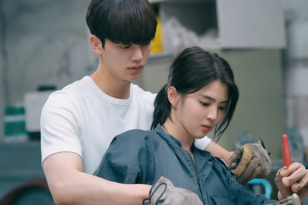 Netflix-k-drama-Nevertheless-main-leads-Song-Kang-and-Han-So-Hee-sweet-chemistry-overflow-10