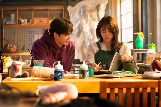 Netflix-k-drama-Nevertheless-main-leads-Song-Kang-and-Han-So-Hee-sweet-chemistry-overflow-11
